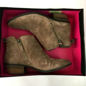 Vince Camuto Tricera Chukka Ankle Boots Suede 7.5